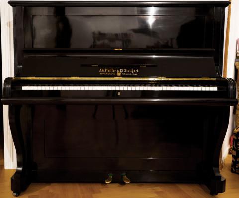 Klavier_um_4